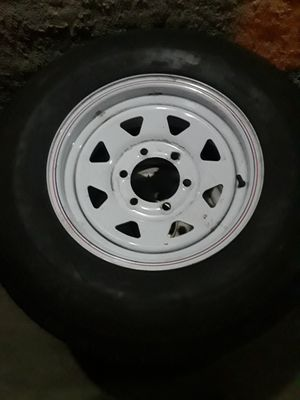 Trailer tire with rim. Semi new for Sale in Garden Grove, CA