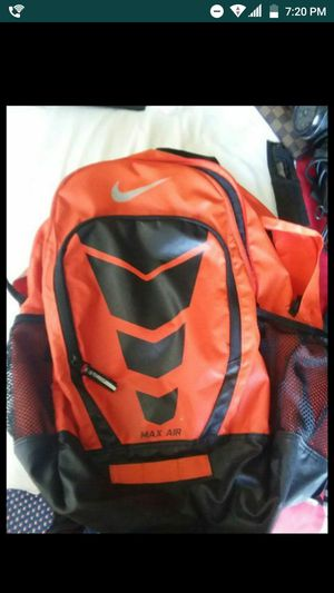 Nike air Max back pack asking 90.00 obo or for trade also lmk ASAP for Sale in Kissimmee, FL