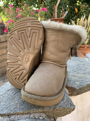 UGG Boots Toddler 8c for Sale in Hacienda Heights, CA