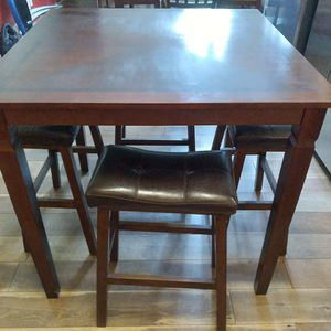 High Top Table With 4 Stools for Sale in Brooksville, FL