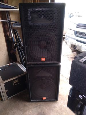 Jbl speakers with stands for Sale in Bolingbrook, IL