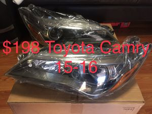 Headlights 2015-16 Toyota Camry for Sale in Anaheim, CA