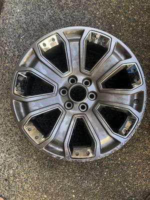"GMC Yukon Denali 22"" Chrome Rim (one rim) for Sale in Issaquah, WA"