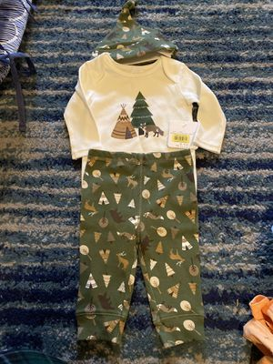 Size 3-6 months outfits lot for Sale in Allen, TX