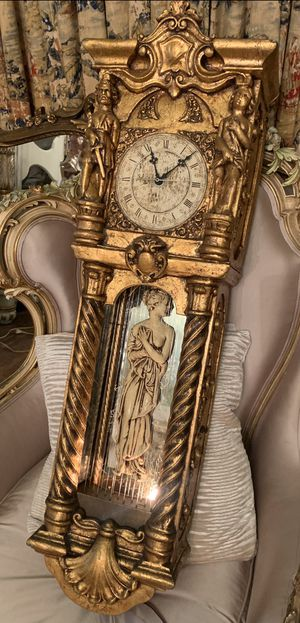 ANTIQUE GOLD LEAF WALL CLOCK for Sale in El Monte, CA
