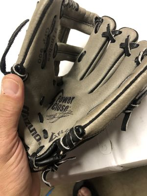 "Mizuno youth baseball glove 9"" for Sale in Santa Clarita, CA"