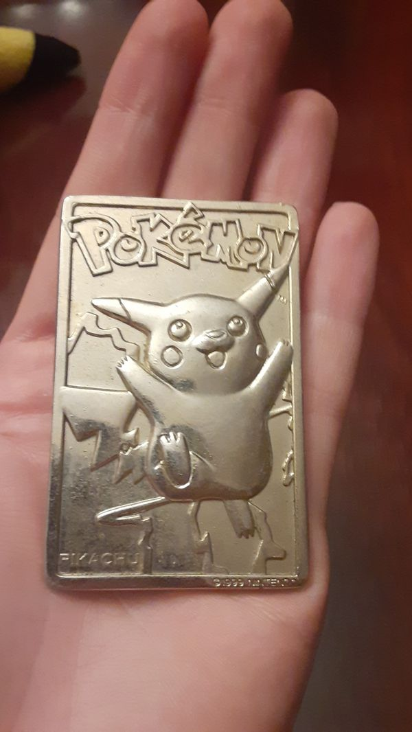 Pokemon Pikachu with Gold Plate
