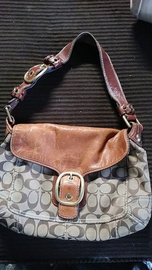 Coach purse. for Sale in Lorain, OH