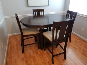 Kitchen Table w/ 4 Chairs for Sale in Raleigh, NC