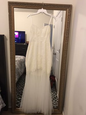 NWT- BCBG Off white lace dress for Sale in Tampa, FL