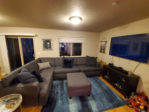 Extra Large 5 Piece Customizable Sectional Couch, **Like New** for Sale in Vancouver, WA