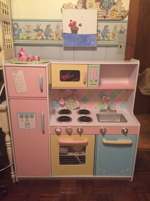 Kids Toy Kitchen in good condition with accessories for Sale in Chatham Township, NJ
