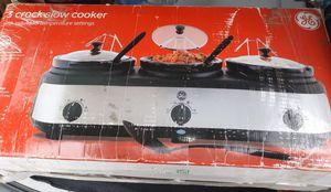 GE 3-crock slow cooker for Sale in Wadena, MN