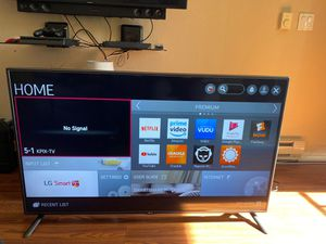 Lg 55 inch tv in perfect condition for Sale in Mountain View, CA