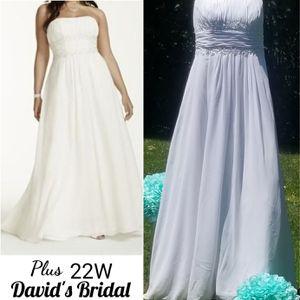 David's Bridal Wedding Dress Size 22W for Sale in Dayton, OH