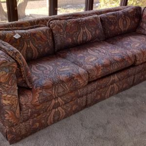 """1975 80"""" Vintage Pettigreau Associates High End Couch for Sale in Lubbock, TX"""