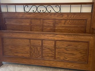 GORGEOUS MISSION STYLE KING BED FRAME W/ METAL ACCENTS!! for Sale in Alta,  UT