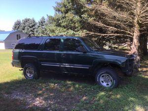 2002 Chevy Suburban 2500 for Sale in Silver Lake, MI