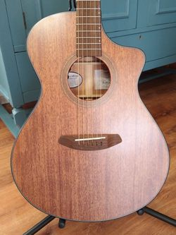 Breedlove Wildwood Concert CE Mahogany Acoustic-Electric Guitar for Sale in Irving, TX