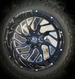 "22"" 22x14 Chevy Silverado Sierra Ram F150 Tundra Off-Road Wheels Rims & Tires (Mud-Terrain M/T) Tires 5"" Deep Lip- No Need Lift for Sale in Los Angeles,  CA"