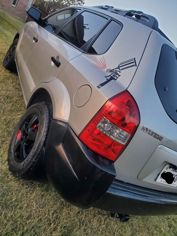 Hyundai Tucson 2006 - $1800 - 208k Miles