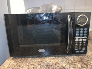 Slightly used Microwave (Negotiable) for Sale in Chicago, IL