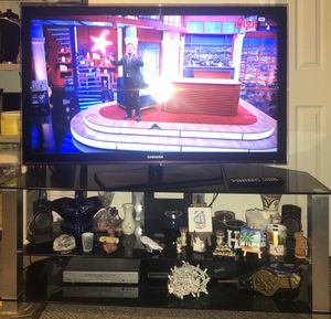 """Samsung 55"""" TV and TV Stand combo for Sale in Revere, MA"""