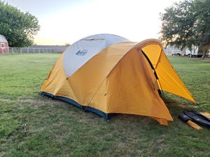 REI Base Camp 6 man tent Like New condition for Sale in Gilbert, AZ