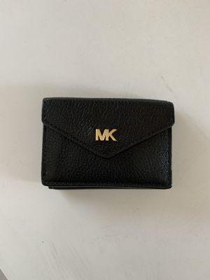 Michael kors wallet for Sale in Long Beach, CA
