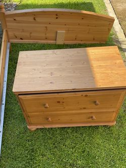 FREE FULL BEDFRAME AND DRAWER for Sale in Fresno,  CA