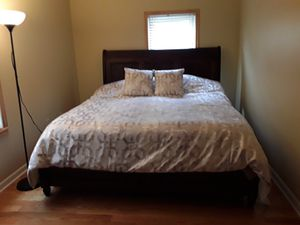 King Bedroom Set - Real Wood for Sale in Canton, MI