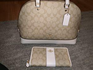 New Coach purse and Wallet bundle for Sale in San Bernardino, CA
