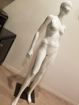 Glossy Female Mannequin for Sale in Santa Clarita, CA