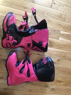 Youth girl Motorcycle goggles, boots and pants for Sale in Morrison, CO