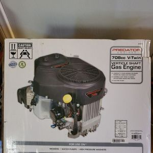BRAND NEW, PREDATOR 22 HP (708cc) V-Twin Vertical Shaft Riding Mower Engine - EPA, NUEVO for Sale in Baldwin Park, CA