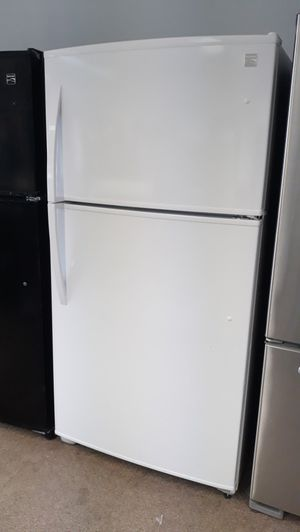 "33"" white top and bottom refrigerator brand new scratch and dent for Sale in Maryland City, MD"