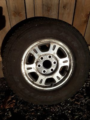 Gmc Wheel with Tire for Sale in Caseyville, IL