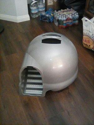 Petmate Booda Dome Clean Step Litter Box for Sale in Wildomar, CA