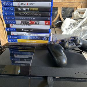 PS4 Bundle w/ Cold War for Sale in Simi Valley, CA