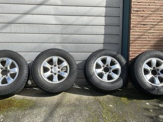 Toyota 4Runner Wheels/tires for Sale in Seattle,  WA