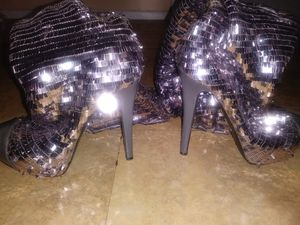Thigh high heels for Sale in The Bronx, NY