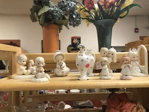 Precious moments figurines for Sale in Attleboro, MA