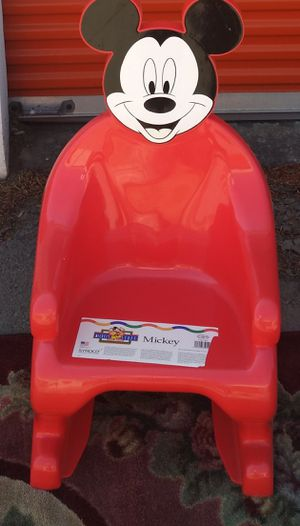 Kids chair for Sale in College Park, GA