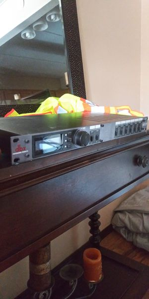 qsc cx254 hig cuality amps for sale for Sale in Glen Ellyn, IL