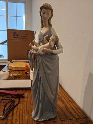 "Lladro Figurine 5086 ""mater Amabilis"" (loving Mother) Baby & Mother for Sale in Rocklin, CA"