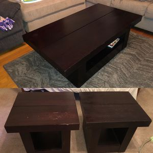 Coffee table with 2 end tables for Sale in Parma, OH