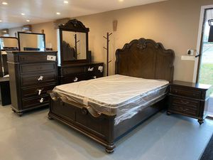 New 5pc Queen Bedroom Set for Sale in Winston-Salem, NC
