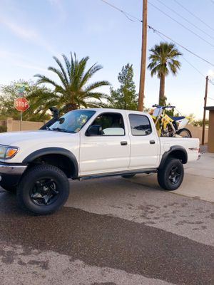 2003 TOYOTA TACOMA V6 4door for Sale in Tucson, AZ