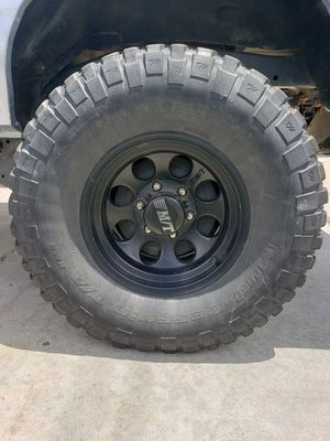 15 inch mt rims with 31s for Sale in Fresno, CA