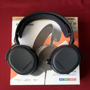 Arctis 3 Gaming Headset for Sale in Nellis Air Force Base, NV